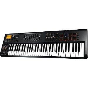 Teclado controlador MIDI/USB MOTOR 61 - Behringer