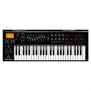 Teclado controlador MIDI/USB MOTOR 49 - Behringer