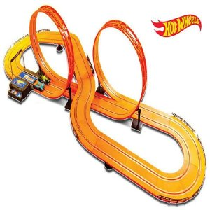 Pista Hot Wheels 632cm c/ 2 Carrinhos 2 Controles +5 anos