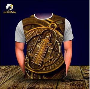 """Camiseta """"Medalha de São Bento"""" - modelo 02"""
