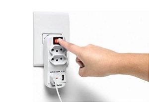 Adaptador carregador USB - EAC 1002 - 2 Tomadas, 2 Saídas USB, Bivolt - Intelbras