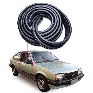 Borracha Tubular Porta Direita Chevrolet Monza Hatch 82/88