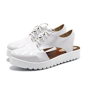 Sapato Feminino Oxford Aberto em Napa Verniz Branco