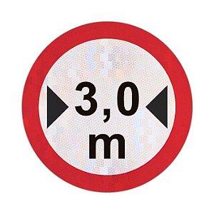Placa largura máxima permitida R-16