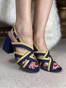 Sandalia Sapato Alto Quadrado com detalhes amarela