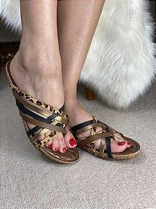 Sandália com Detalhe de Onça