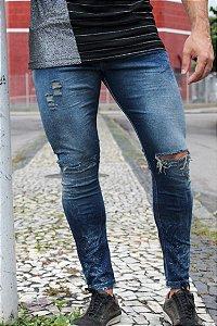 Calça jeans rasco joelho