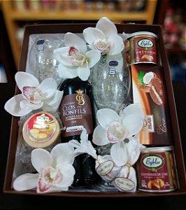 caixa Vinho e flores