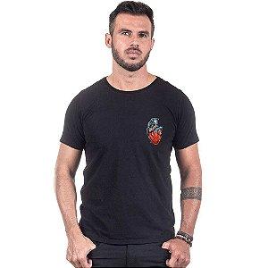 Camiseta Masculina Estampada Coração Granada Use Thuco