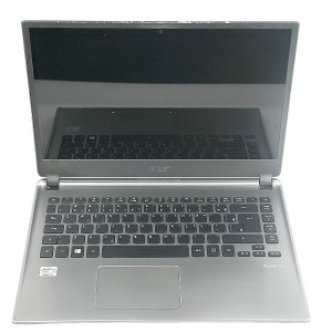 Notebook Barato i5 Hd 500 4gb com pequena mancha na tela