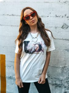 Camiseta Blair Waldorf Off White Madalena