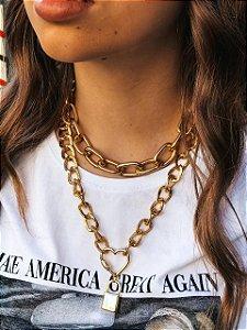 Colar Dourado Simples Madonna