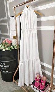 Vestindo longo branco