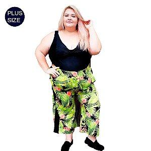 Calça Pantacourt Plus Size  em malha Suplex Estampada com faixa lateral lisa