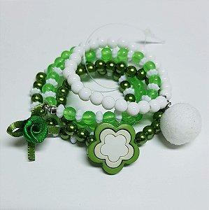 Conjunto de pulseiras de bolinhas flor verde