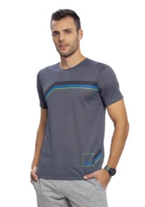Camiseta Masculina Slim Esportiva em Dryfit