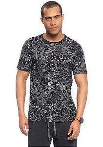 Camiseta Masculina Adulta full print com Camuflado Diferenciado