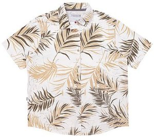 Camisa Plus Size com Abertura Frontal