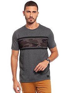 Camiseta Masculina com Estampa Militar