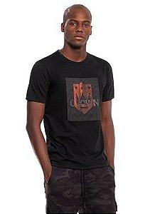 Camiseta Masculina com Relevo de efeito 3D