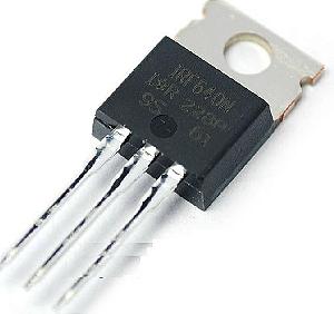 Transistor MOSFET de potência IRF640 encapsulamento TO-220.