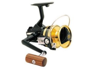 MOLINETE DAIWA BLACK GOLD SERIES BG-30