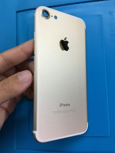 Carcaça Chassi Iphone 7 Dourado Original Apple com detalhes