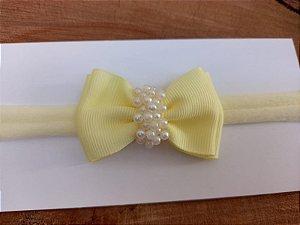 Gravatinha duplo chuva de pérolas amarelo