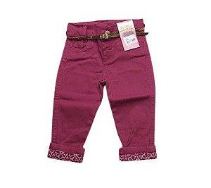 Calça Jeans Vinho Com Detalhes e Cinto Dourado Tam P/G 1/3