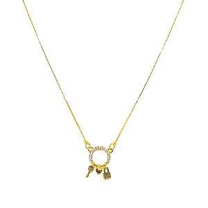 Colar delicado com pingente mini de cadeado, coração e chave