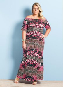 Vestido Longo Decote Amplo Estampa Mix Plus Size