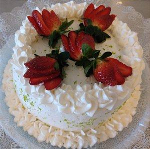 Torta Primavera - Mousse de Limão e Morangos