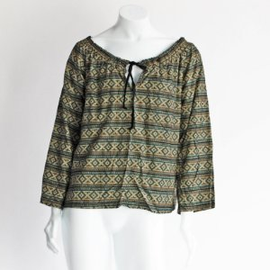 Blusa ombro a ombro – SALTO Quadrados