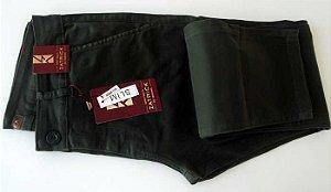 Calça slim masculina em tecido de composição 98% de algodão e 2% elastano, cód 1617