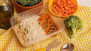 Franguinho cremoso com arroz integral e salada de brocolis com cenoura - Cremosinho de Frango