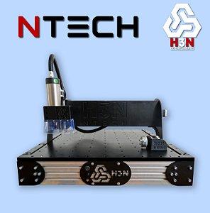 CNC H3N NTECH P/ Ourives - 50x50x5 C/ Spindle de 2 CV (24 Mil RPM) C/ Eixo Rotativo + Computador + Kit Fresas + Gravação Interna