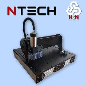 CNC H3N NTECH P/ Ourives - 50x50x5 C/ Spindle de 2 CV (24 Mil RPM) C/ Eixo Rotativo + Kit Fresas + Gravação Interna