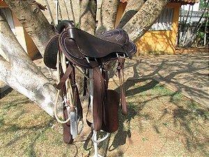 Sela Australiana Tradicional Marrom - Completa