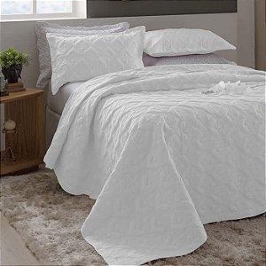 Kit Colcha Queen Madri 3D com Porta Travesseiros Arabesco Branca