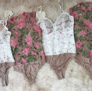 BODY COM TULE FLORAL MARROM S J8D5TM7PW