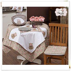 Toalha de Mesa Para 8 Cadeiras – Delicato, 2,50m x 1,40cm.