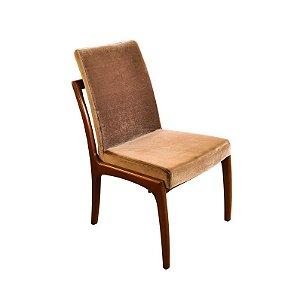 Cadeira com Assento e Encosto Estofado em Veludo
