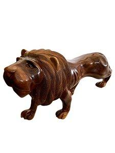 Escultura Leão em Madeira Entalhada Decorativo com Acabamento Encerado