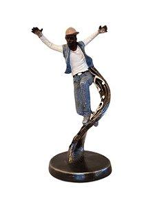 Escultura Dançarino Flutuando em Resina