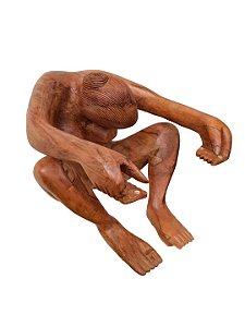 Escultura Mulher de Madeira Entalhada Decorativa