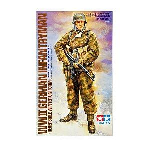WWII German Infantryman 1/16 Tamiya