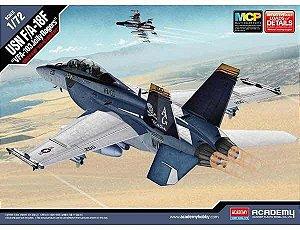 """Caça da Marinha Americana F/A-18F Super Hornet """"VFA 103 Jolly Rogers"""" 1/72 Academy"""