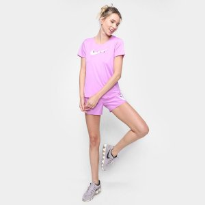 Camiseta Nike Swoosh Run Feminina - Lilás
