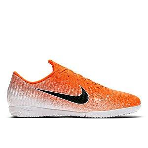 Chuteira Futsal Nike Mercurial Vapor 12 Academy - Laranja e Branco AJ3101-801