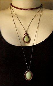 Mix de colares prata com pedra verde e rosa